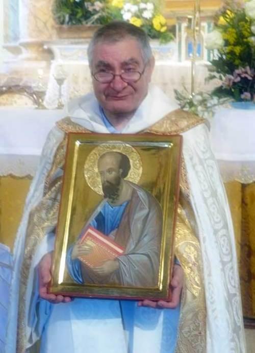 P. Augusto Drago riceve in dono un'Icona nell'occasione del 45mo anniversario dell'ordinazione.